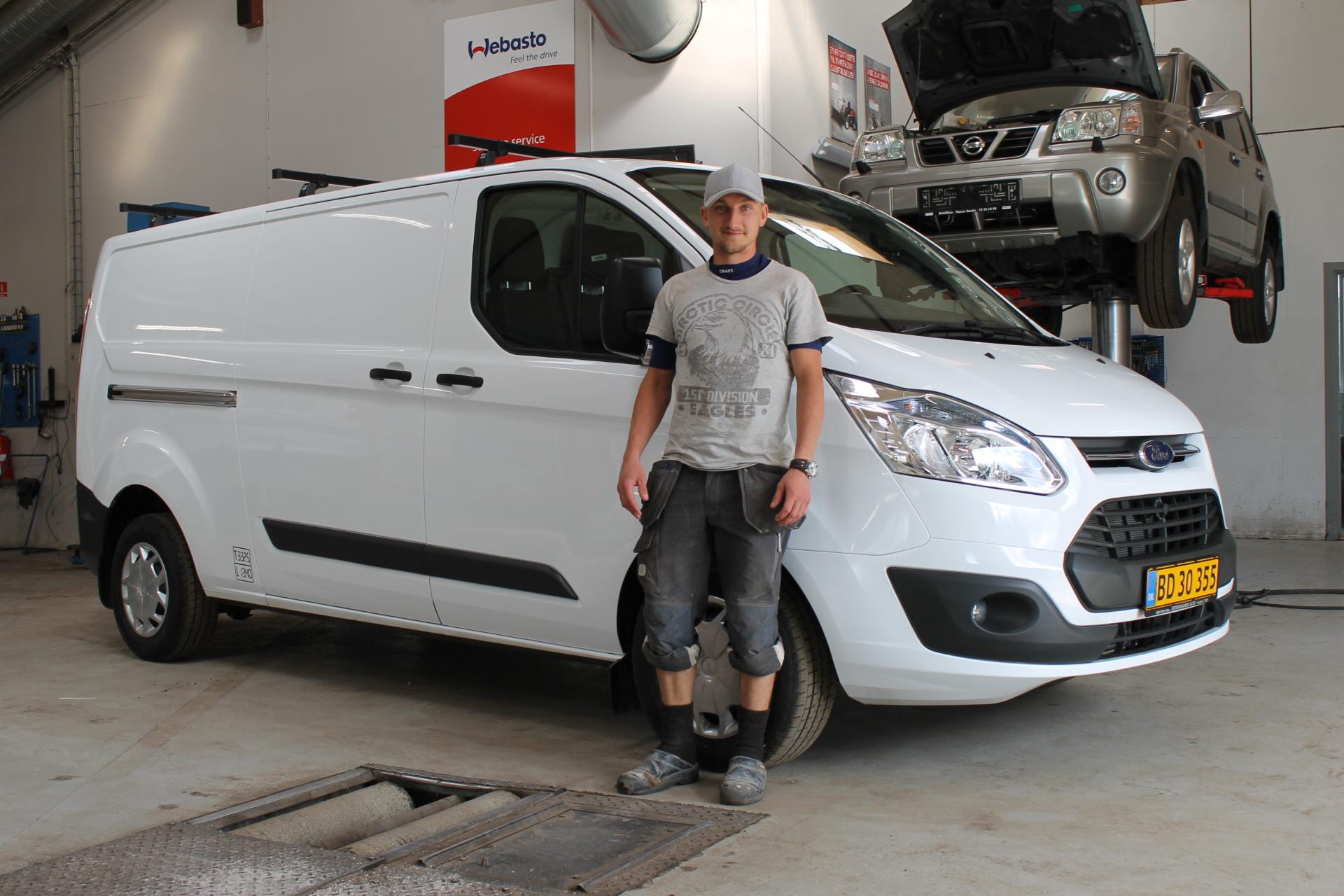 Tillykke til Bartnik Byg med den nye Ford Transit Custom - Østergaards Auto