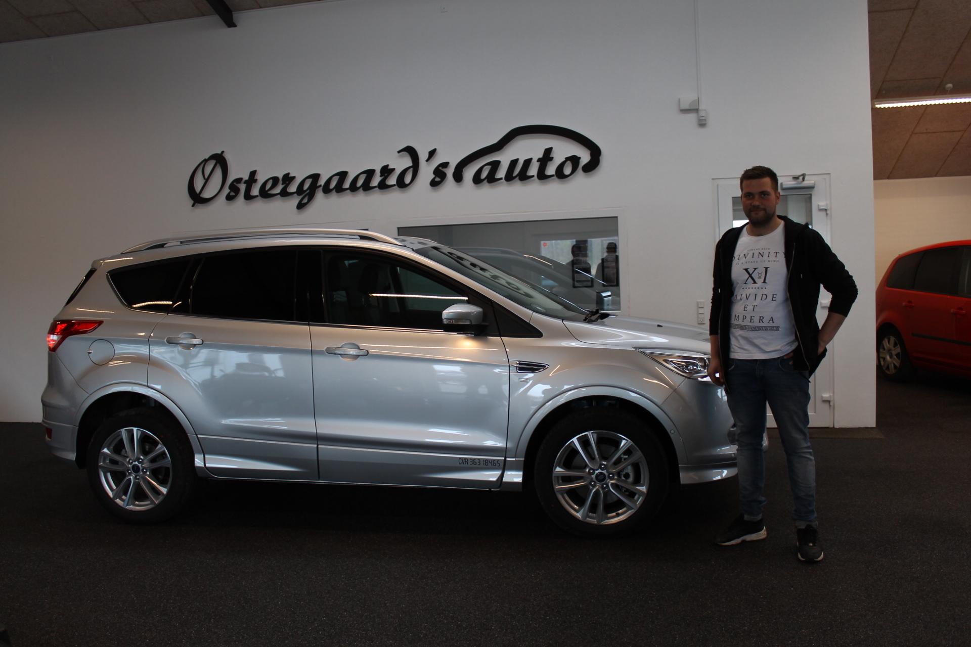 Tillykke til JT's Murerforretning med deres nye Ford Kuga - Østergaards Auto